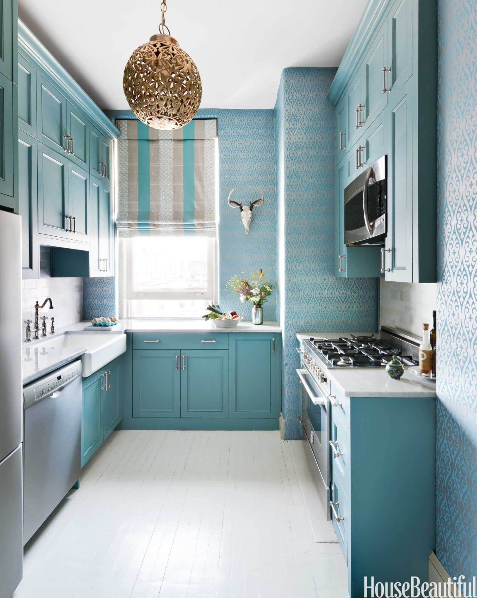 15 Ways to Bring Personality Into Your Galley Kitchen | Galley ...