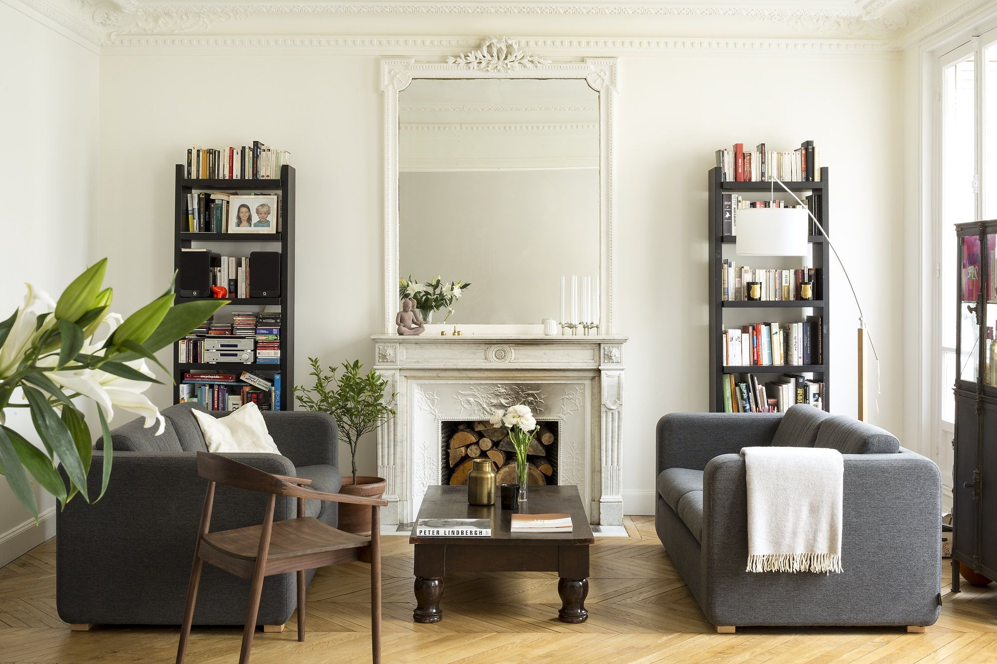 This Chic Paris Apartment Is a Perfect Mix of Old & New   French ...