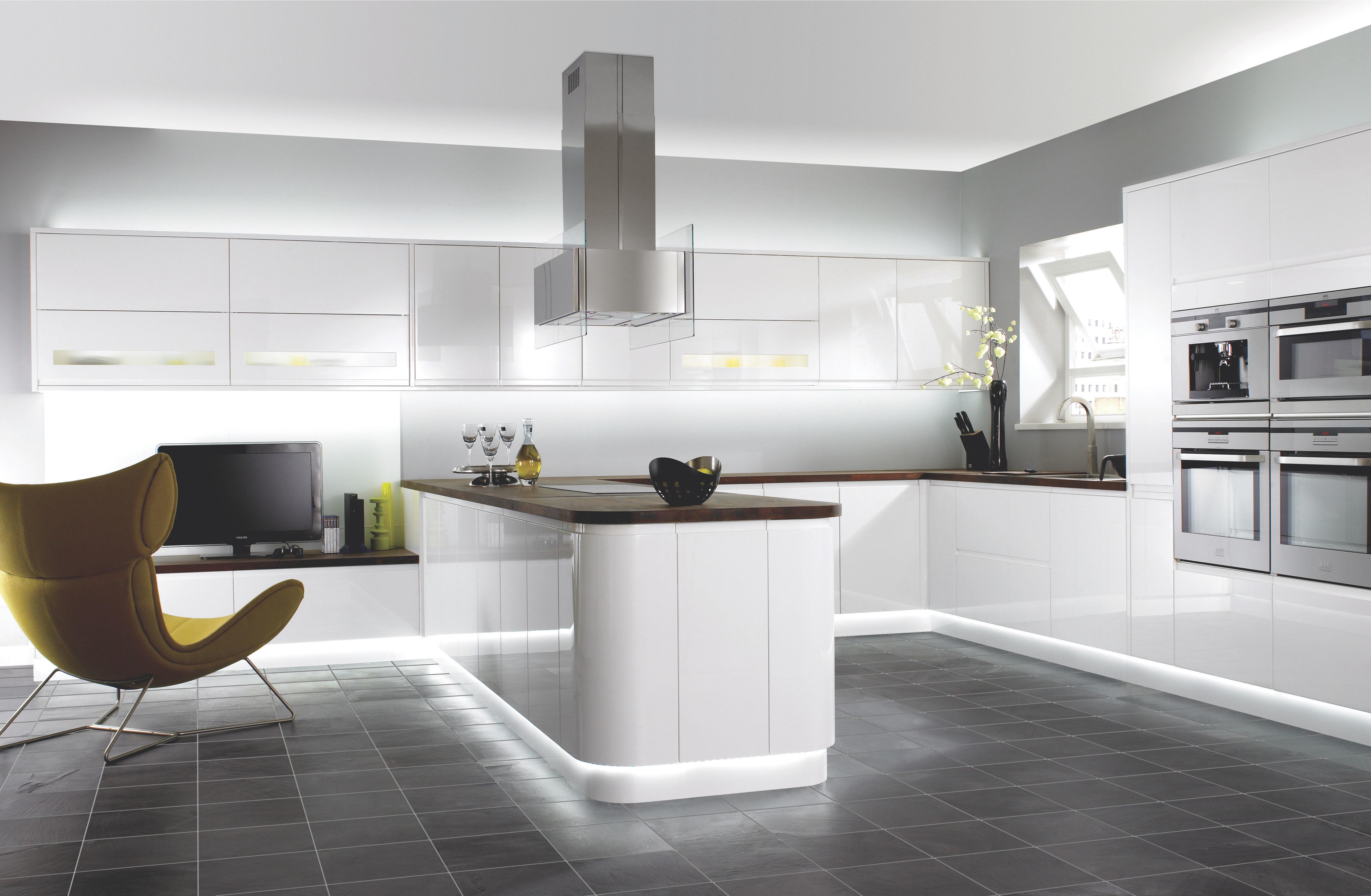 Modern Kitchens | Contemporary Modern Kitchen Designs | Wren ...
