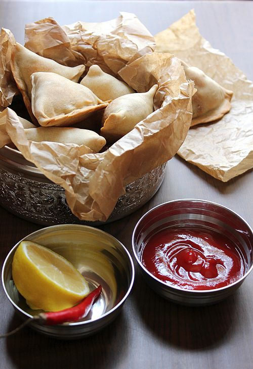 low calorie samosas-I have no idea what a samosa is, but I know it involves filo dough and a food pocket. I am all about that.