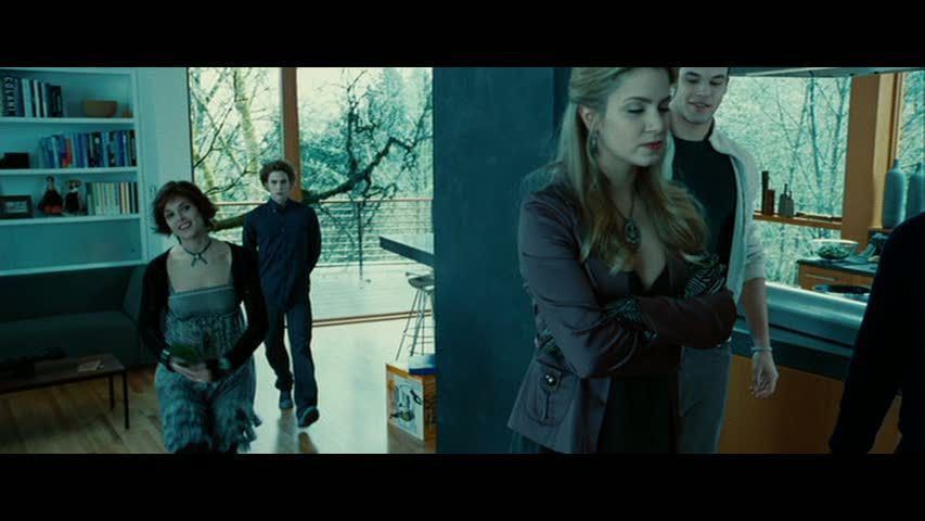 Breaking Dawn 2 Bella And Edward S Cottage Rosalie Twilight Twilight Funny Twilight Pictures