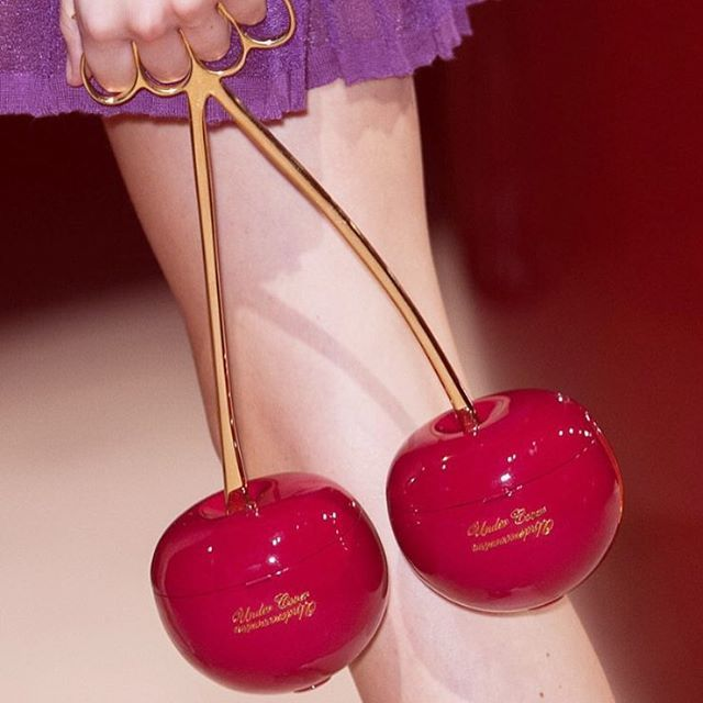 The Undercover Cherry Bag 🍒 Happy Wednesday! // VOX-MAGAZINE.COM