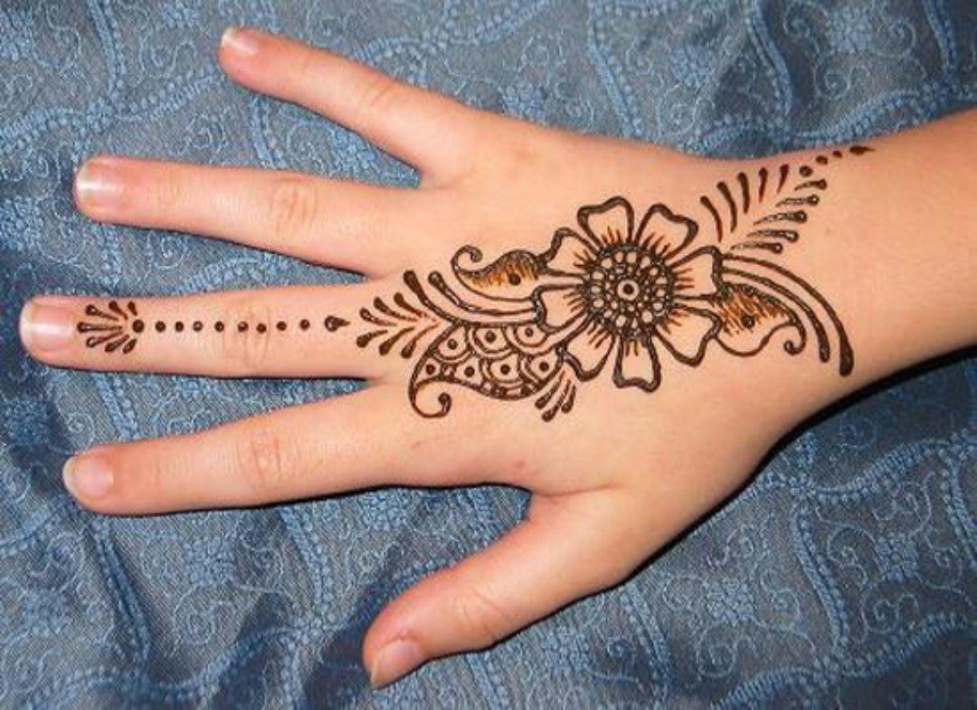 Tatuajes Mehndi Diseños : Simple mehndi designs for girls henna