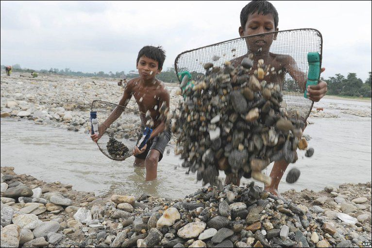 is child labour really necessary in s carpet industry child labour in desh essays on global warming image 4