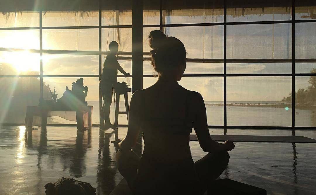 Pin By Orion Healing On Https Www Orionhealing Com Yoga Retreat Study Yoga Koh Phangan