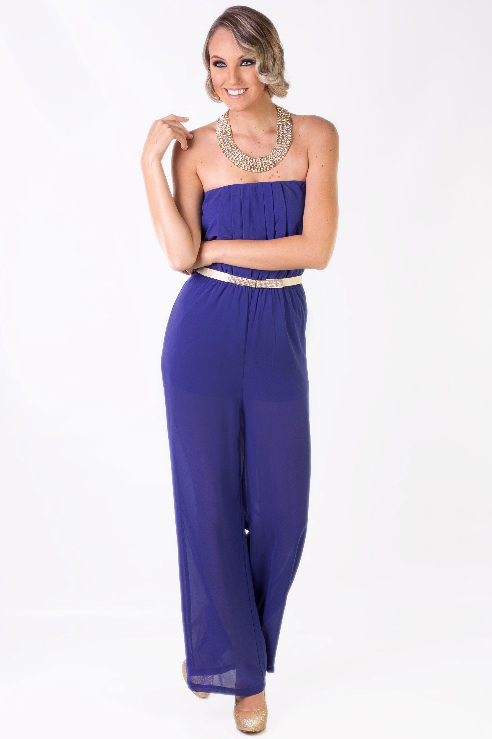 98897ef4a883 La elegancia perfecta es siempre KAMI. Overol Azul  Q.315 Collar Dorado   Q.195 Cincho Beige  Q.95 Zapatos Dorados  Q.295