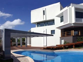Casa moderna con piscina pons arquitectos rep blica - Arquitectos casas modernas ...