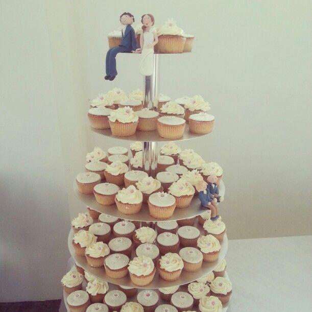 Cupcakes tower wedding