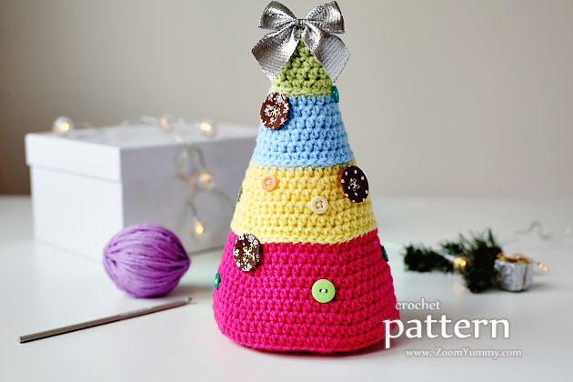 Christmas Tree With Buttons Tutorial ★•☆•Teresa Restegui http://www.pinterest.com/teretegui/•☆•★