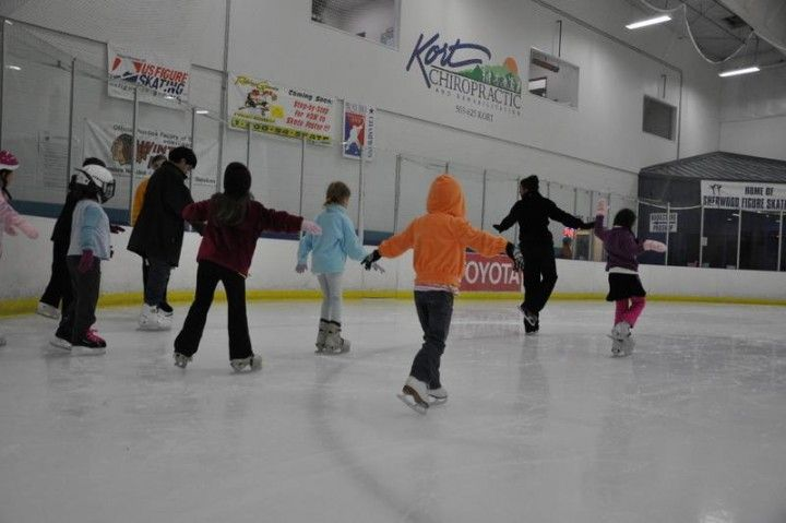 """Beginner """"Learn to Skate"""" Sherwood, OR #Kids #Events"""