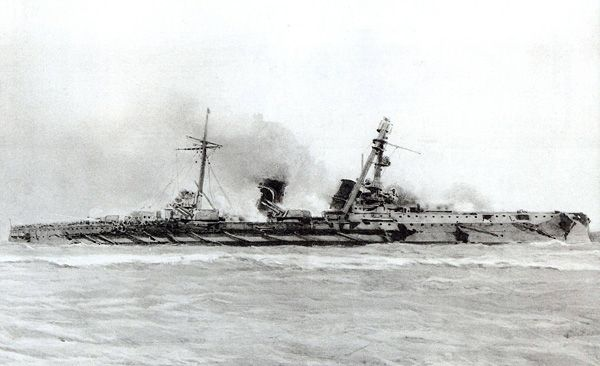 8 2 In Armoured Cruiser Sms Blucher Fatally Damaged At The Battle