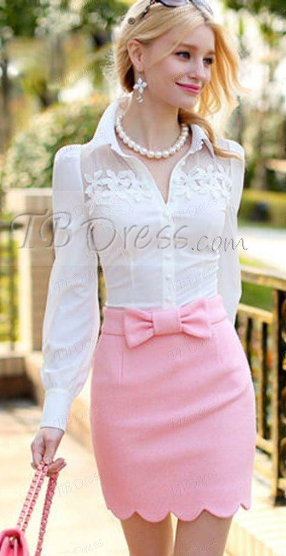 En Nœud Ceinture Avec Chemisier Blanc Un Jupe Couleur Rose Droite wxq7Ox6Ff