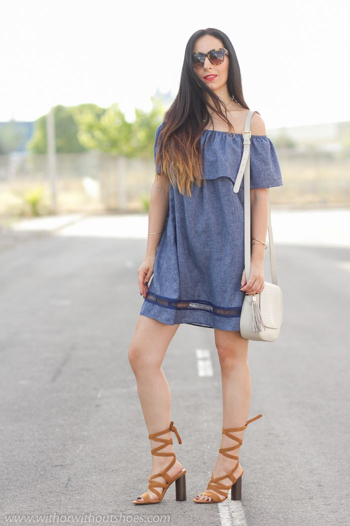 Vestido hombro descubierto con escote bañera y sandalias de tiras | With Or Without Shoes - Blog Moda Valencia España
