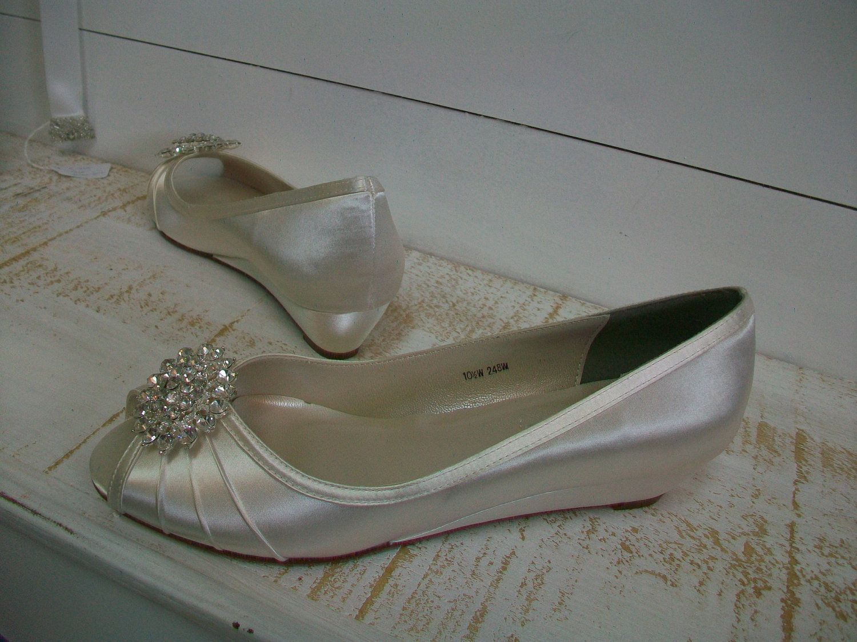 3 3 1 Inch Wedge Wedding Shoes Bridal Badgley Mischka Style Brooch Rhinestone Badgley Mischka Crystal Peep Toe Wedge Wedding Shoes Wedding Shoes Bridal Shoes
