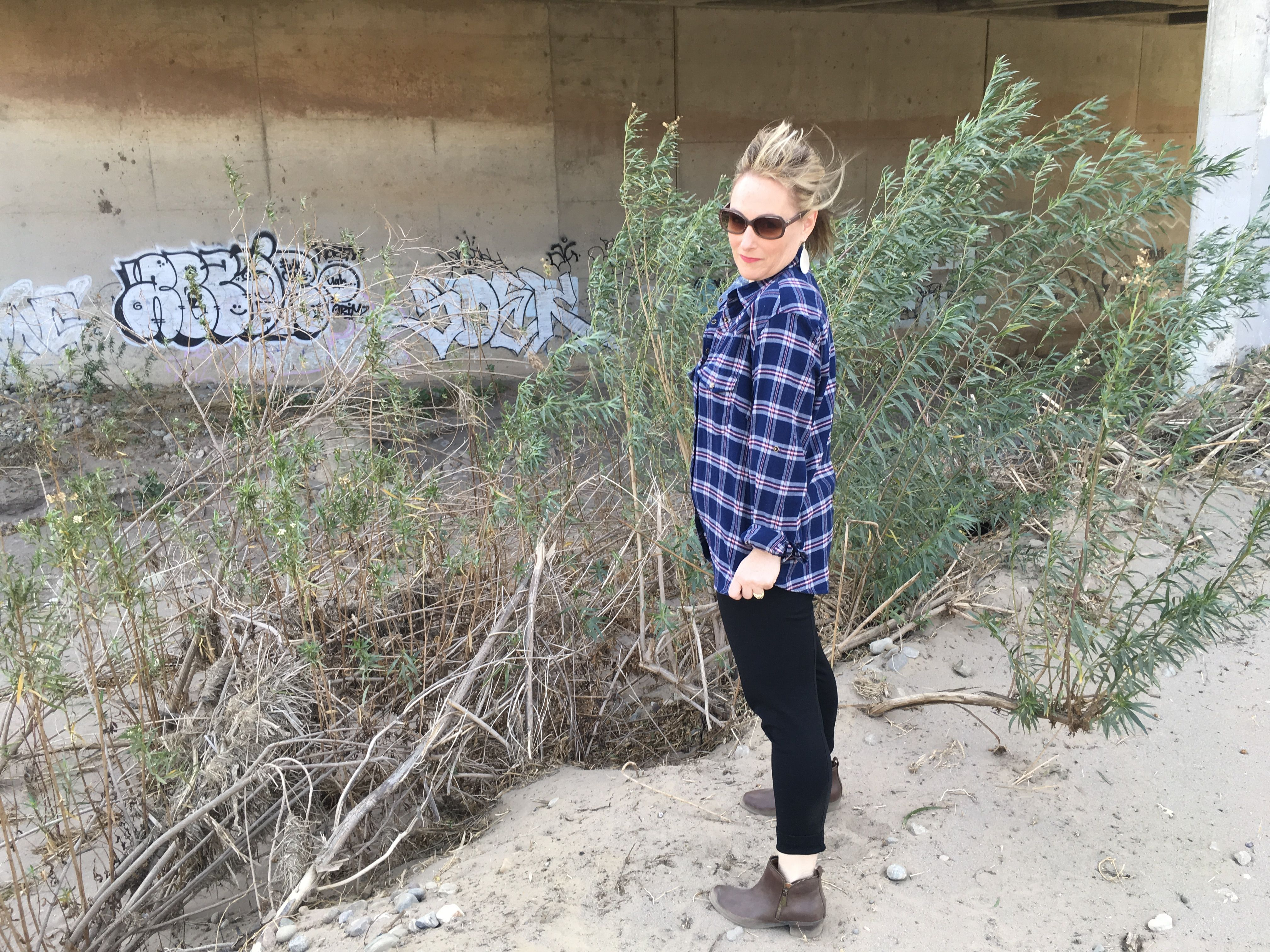 Flannel outfits with leggings  Flannel and leggings  Petite curvy outfit  Pinterest  Flannels