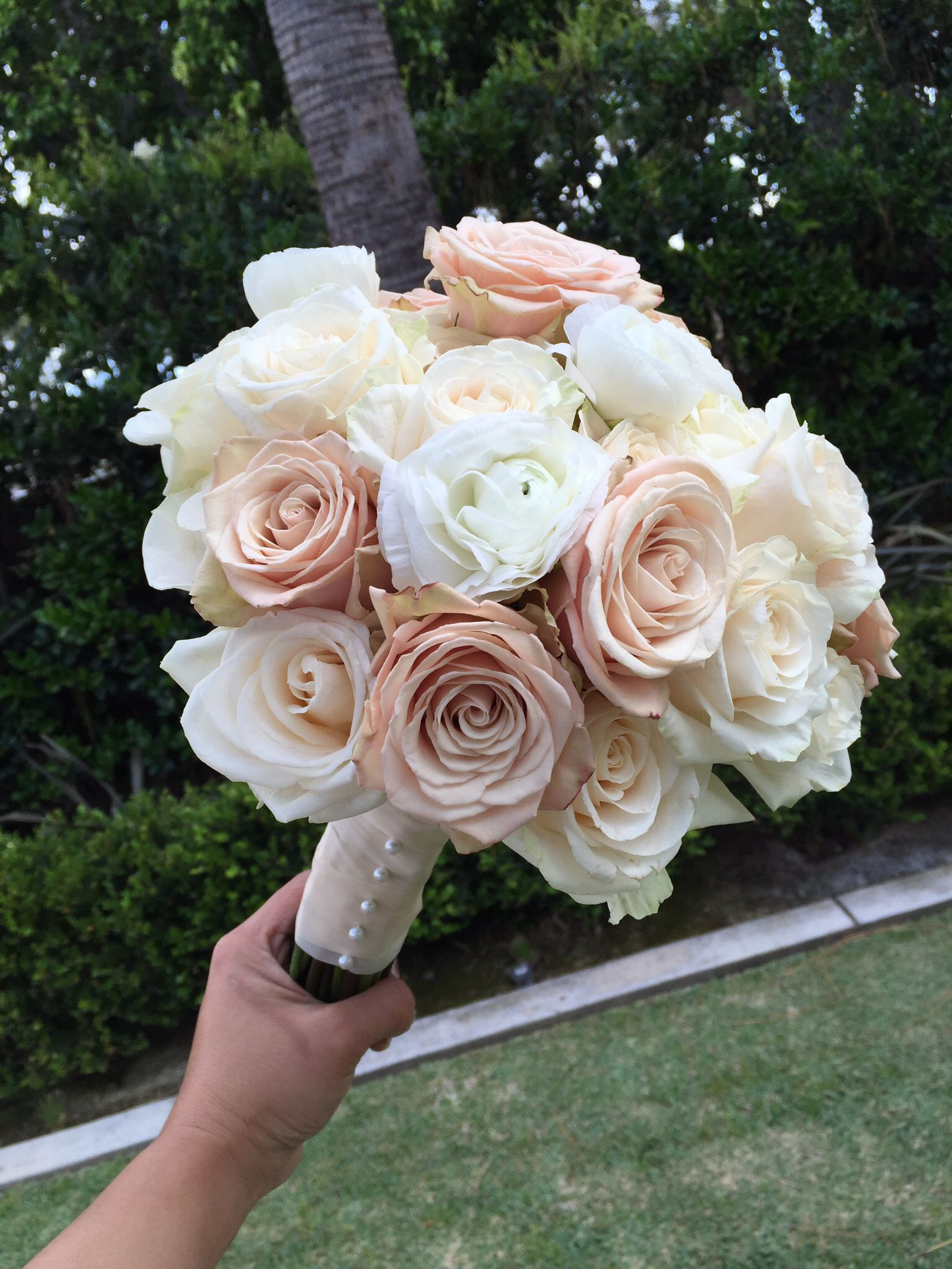 White Garden Rose Bouquet bride and attendants' bouquets with ivory hydrangea and champagne