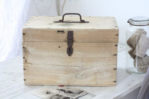 French vintage wooden box 1960. Made in France. par Passesimple