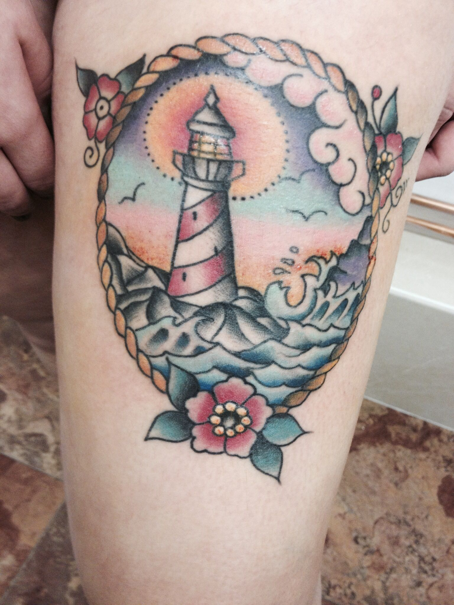 Traditional lighthouse tattoo tattoos tattoo ideen leuchtturm und projekte - Tattoo leuchtturm ...