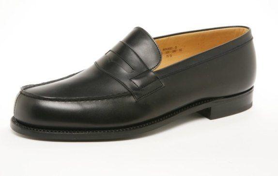 2a310c3f0be82 Apprenez comment choisir ses chaussures parmi les 6 paires de chaussures  idéales pour homme. Une liste des meilleurs modèles de chaussures pour homme .
