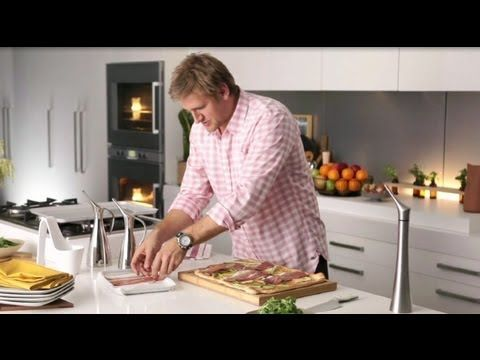 How to make gingerbread men with curtis stone coles youtube foods forumfinder Choice Image