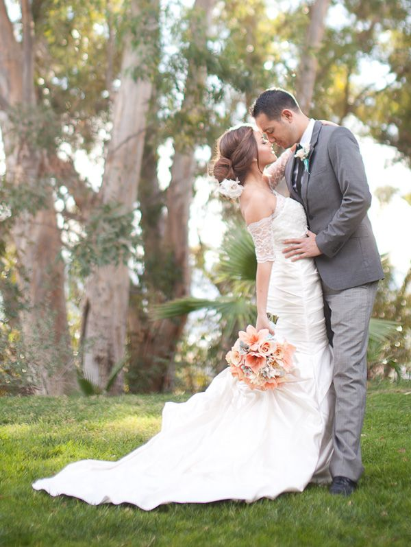 Wedding Photography Ideas For Posing: Gorgeous Southern California Inspired Winter Wedding