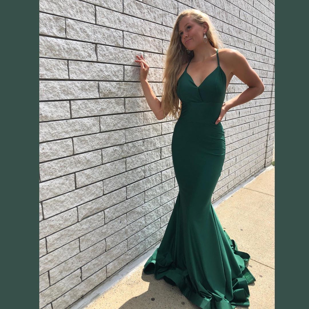"GLITTERATI STYLE on Instagram: ""🌿Green with envy🌿 . . . #prom #pageant #weddingguest #bridesmaids #sweet16 #laceupback #gorgeous #huntergreen #jessicaangelcollection…"""