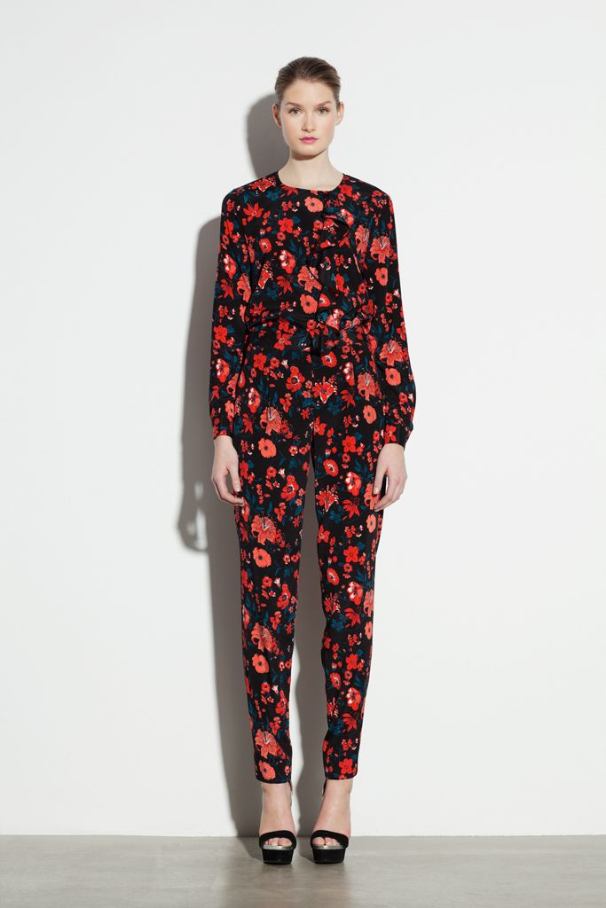 DKNY Pre-Fall 2012 Collection Slideshow on Style.com