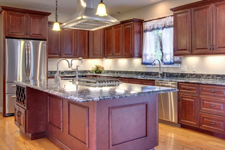 mahogany kitchen cabinets stone | MAHOGANY MAPLE