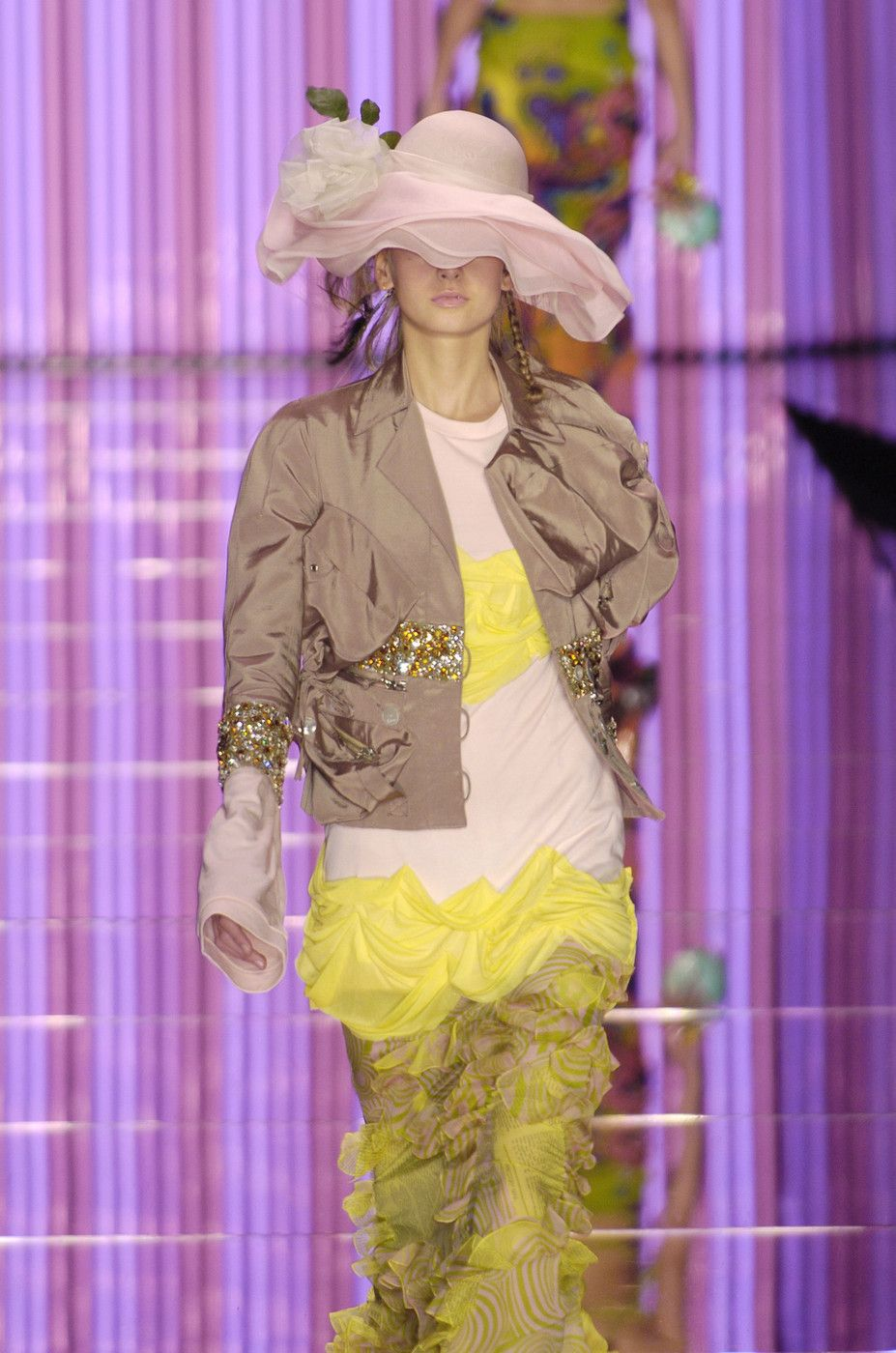 217 photos of John Galliano at Paris Fashion Week Spring 2005.
