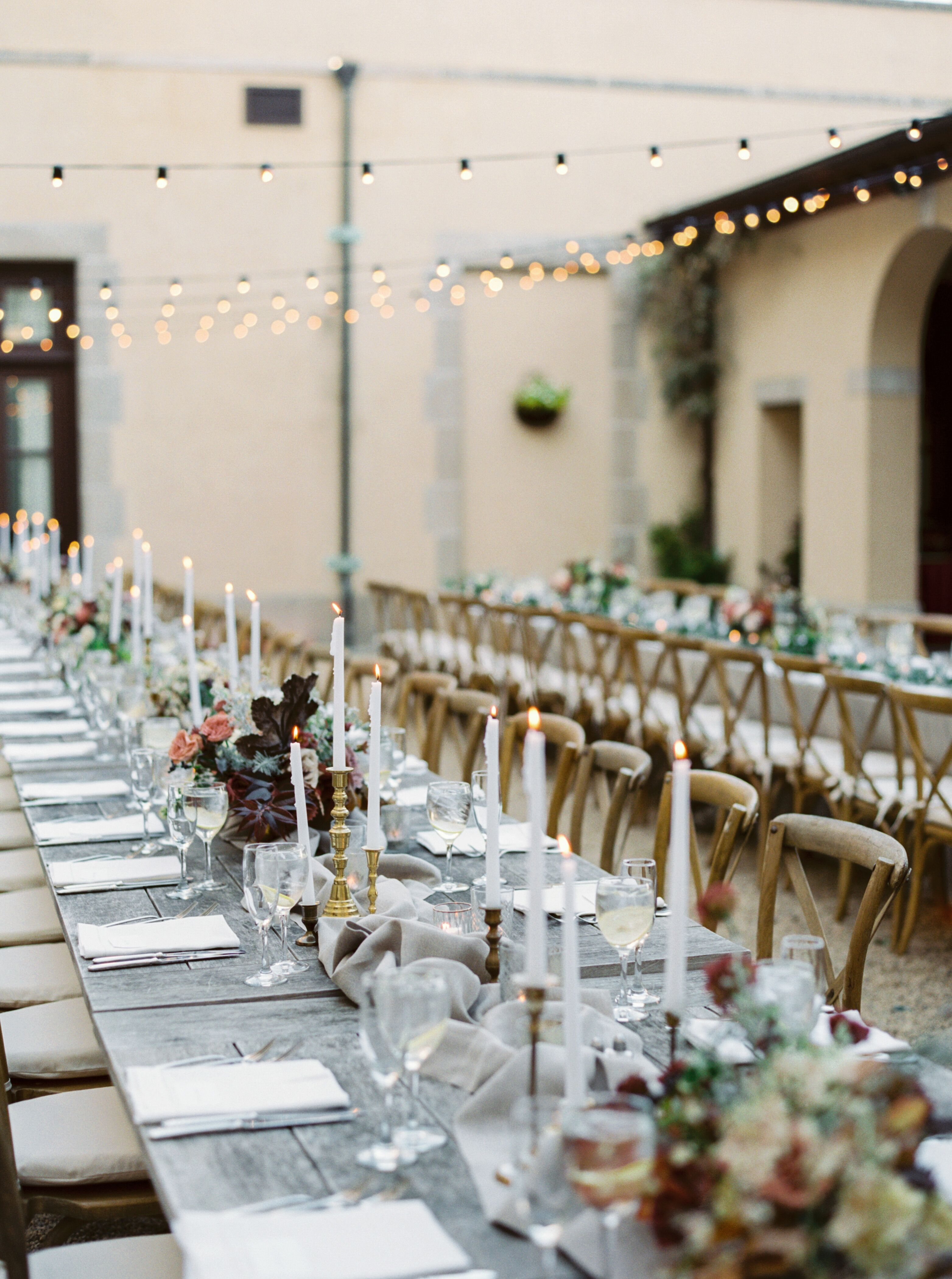 Stunning Candlelit Tablescape At Outdoor Hamptons Wedding At Oheka Castle In Huntington New York Brought T Oheka Castle Hamptons Wedding Candlelit Tablescape