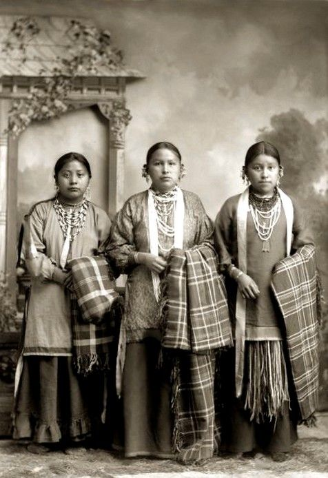 Three young Ho-Chunk women, from left to right, Grace Decorra Twocrow Winneshiek Massey (MauHeHutTaWinKah), Florence Littlesoldier Wallace Thunder (MauKonNeeWinKah) and Alice Standstraight Blowsnake Littlewolf (HeChoWinKah). Photo: ca. 1890.