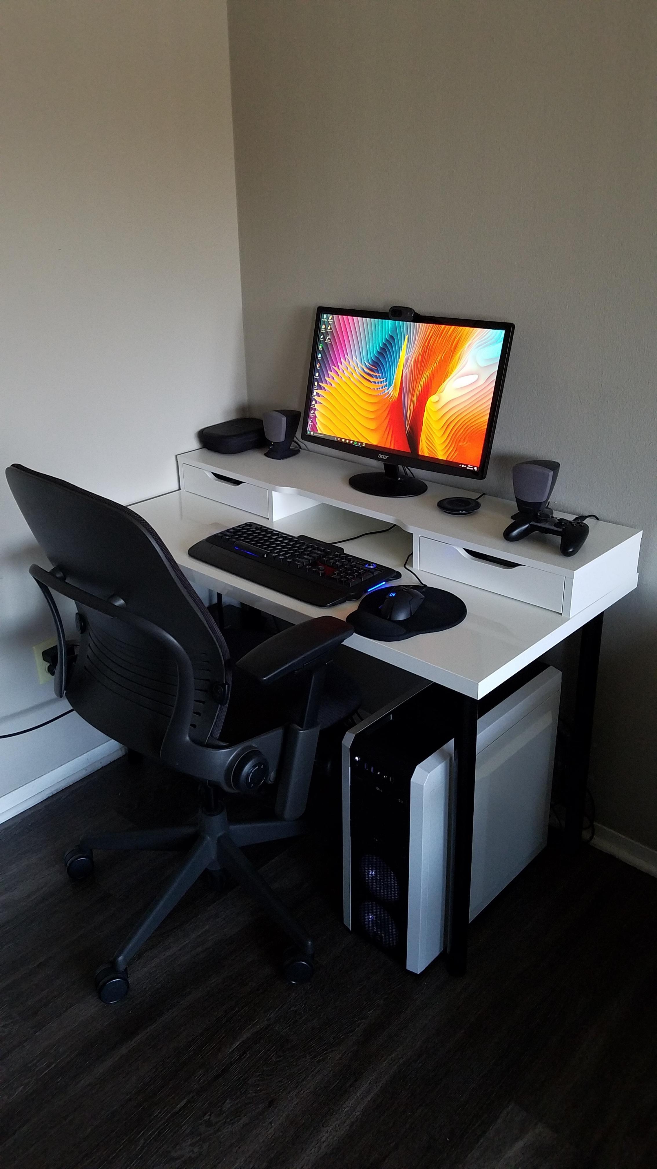 My black and white corner setup really accentuates