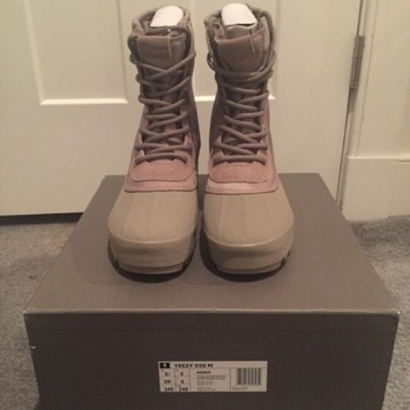 bb219e77bf3c Yeezy Boots Adidas Yeezy 950 Duck Boot Moonrock 100% Authentic Brand New  with original box