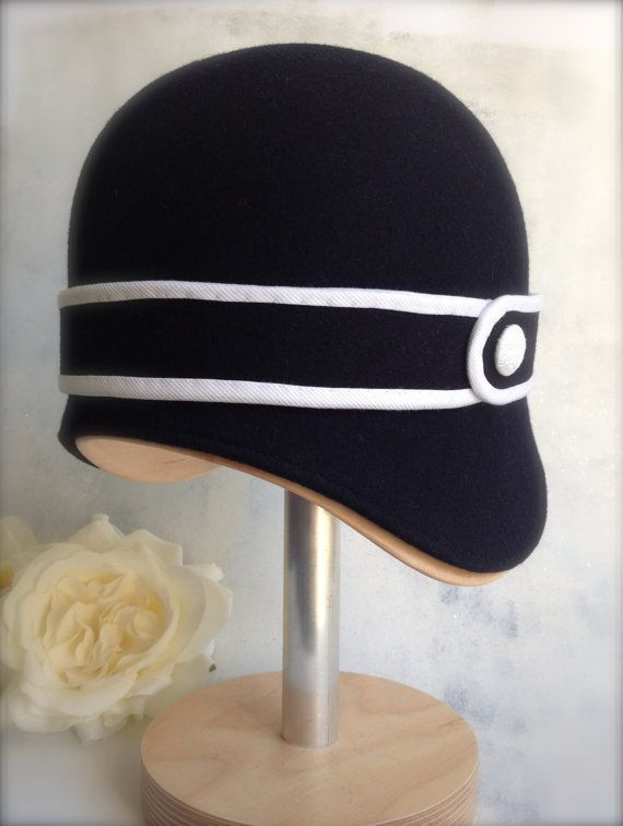 5f8bbb43b63 Nice cloche that would pair well with the sailor-look suit popular ...