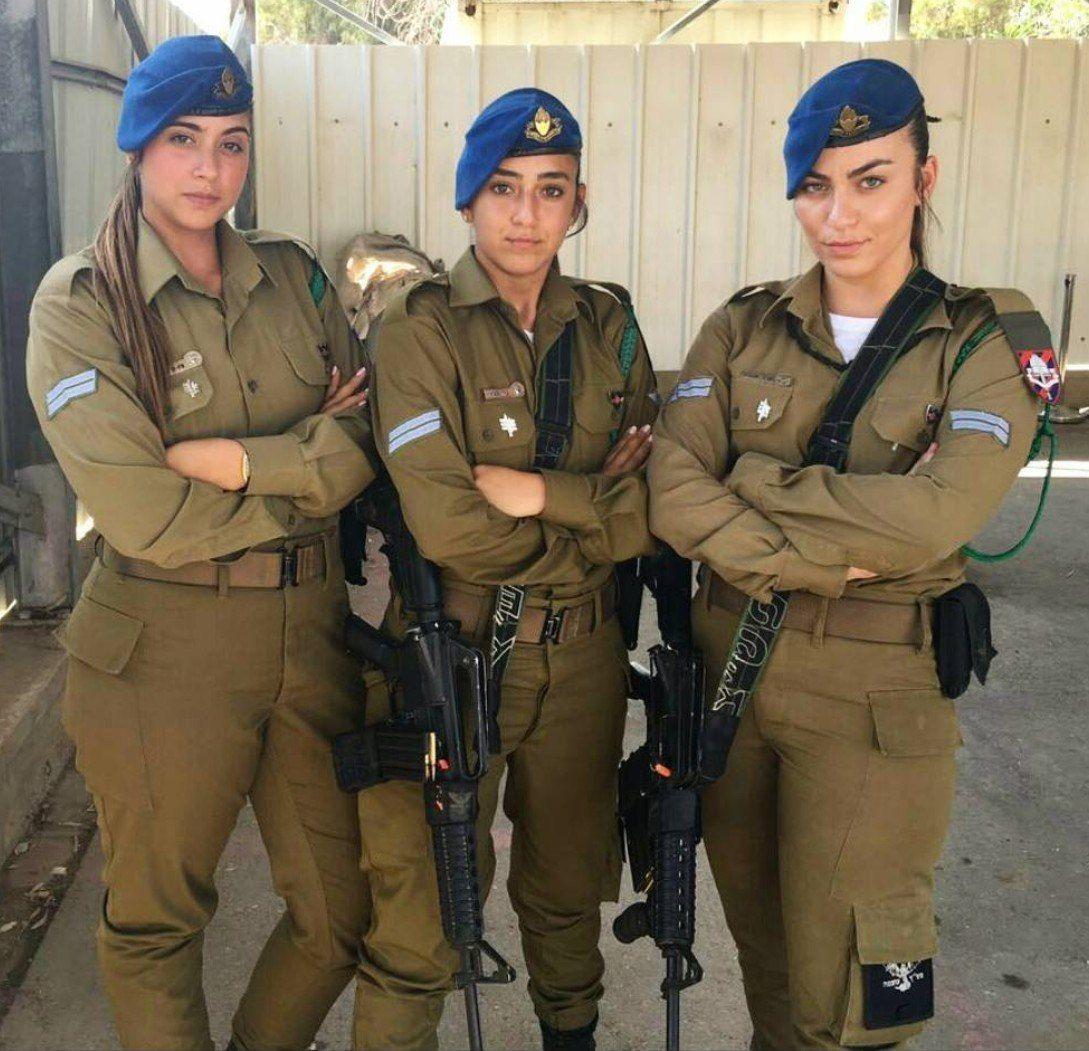 سه دختر ارتشی