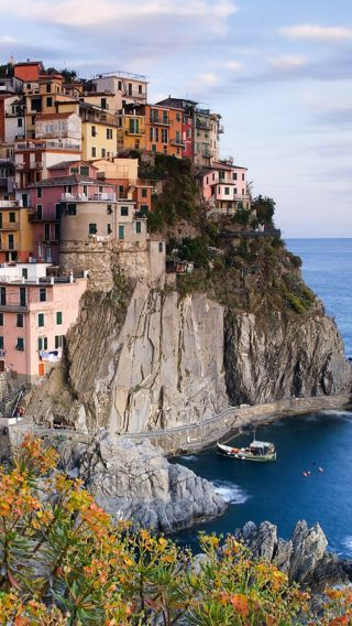 Clear Manarola Italy Iphone Wallpaper Italy Travel Cinque