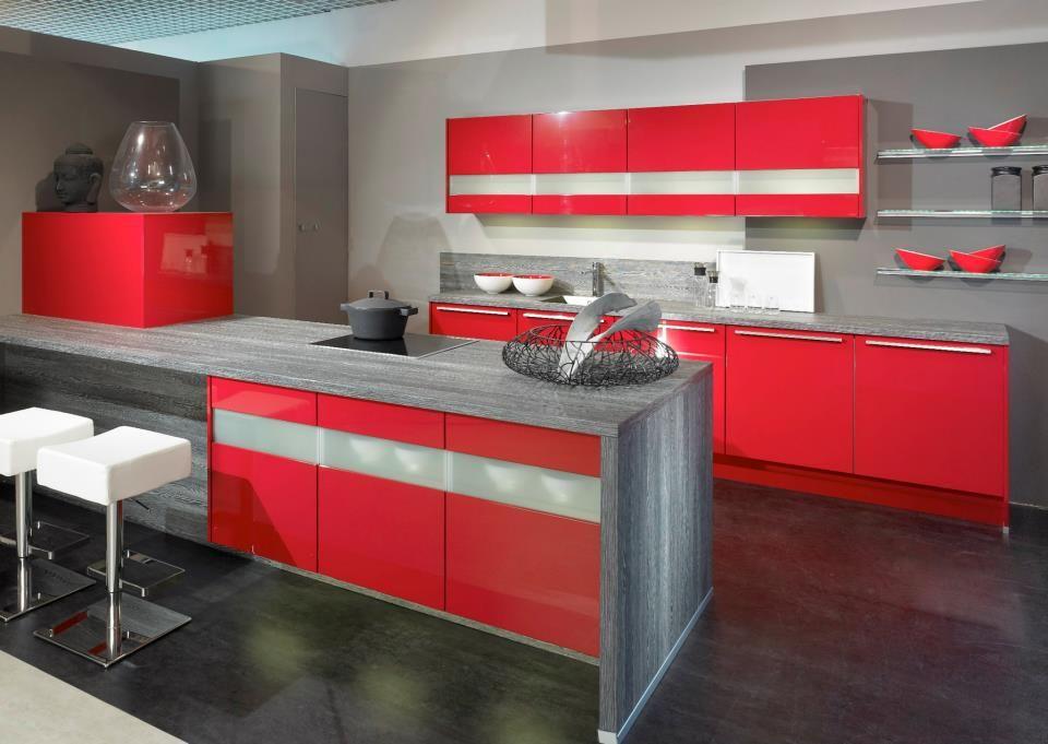 Cuisine Alva rouge    wwwcuisines-aviva  Rouges - plan de travail cuisine rouge