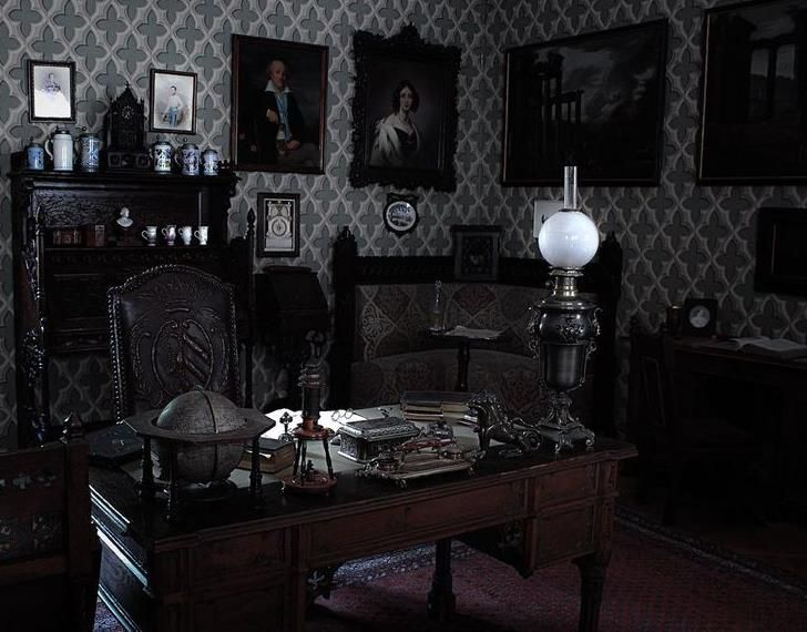 (23+) Mysterious Gothic Home Decor Ideas (SCARY BUT COOL!) | Mysterious,  Gothic And Room Interior