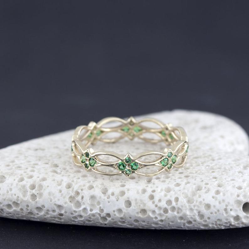 Celtic ring eternity ring emerald ring green stones