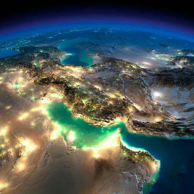 الامارات في صور رائعة بعدسة رائد الفضاء الايطالي اجنازيو مانياني. Amazing photos of UAE taken from space by Ignazio Magnani.