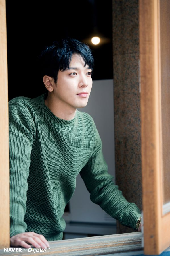 [#FOTO #NAVER #Dispatch ][2017/03/24] [NAVER x Dispatch] CNBLUEleader: Sesión de Fotografías HD de Jung Yong Hwa en «Yeouido Cafe» para Dispatch! / CNBLUE's Jung Yong Hwa HD Photo Shooting 'Yeouido Cafe' by Dispatch! | CNBLUE Boice Spain