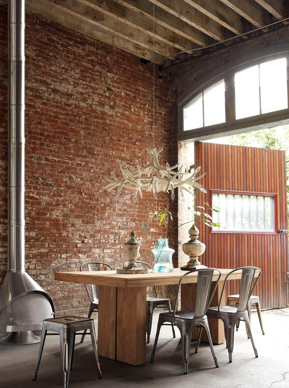 Kayu Teak Dining Table Tolix Marais A. Chair Subordinate Antler Pendant
