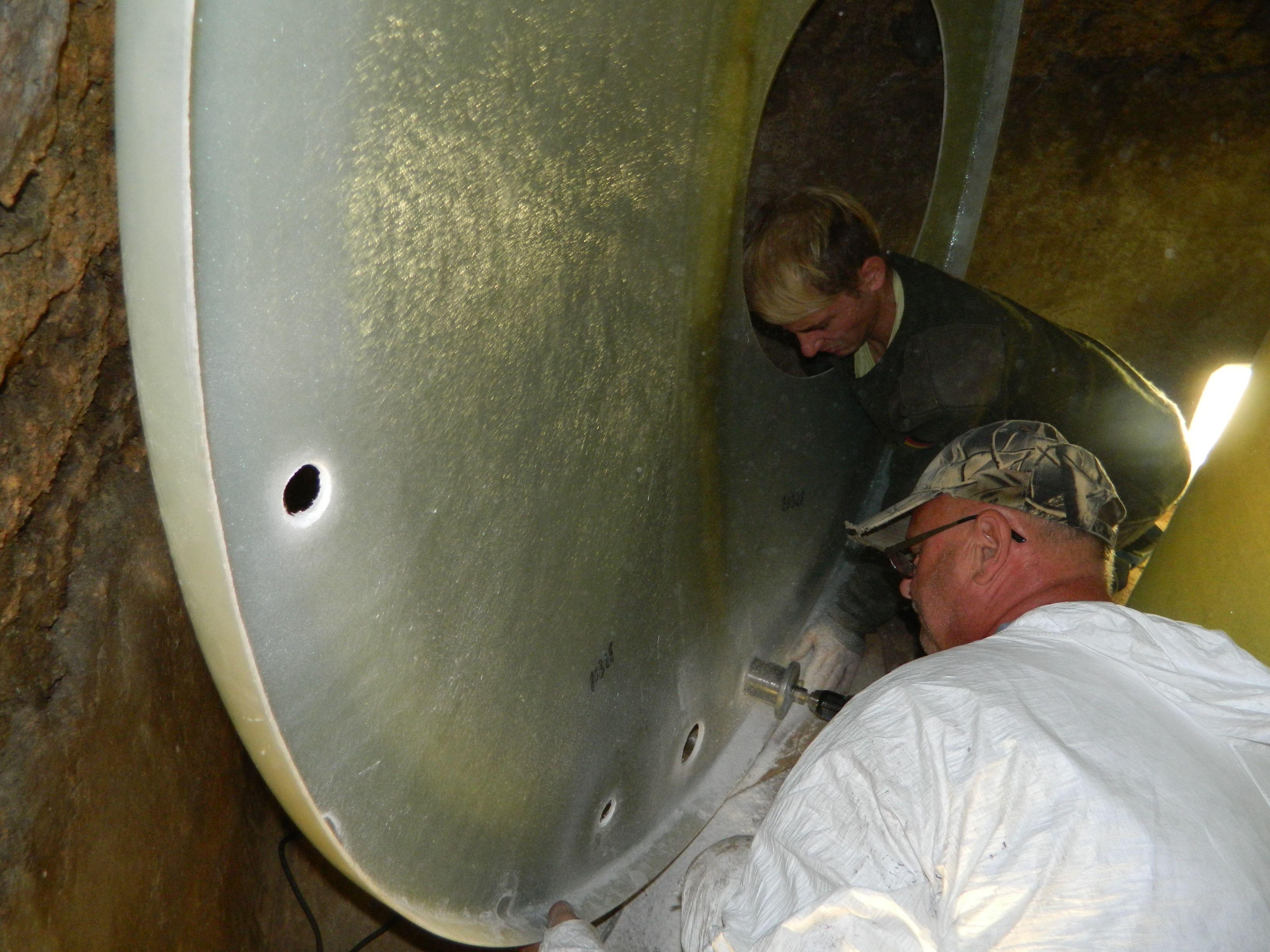 Die Wandung ist aufgerollt wie ein Teppich, Deckel und Boden werden wenn nötig halbiert. So findet der #Tank den Weg in jeden #Keller