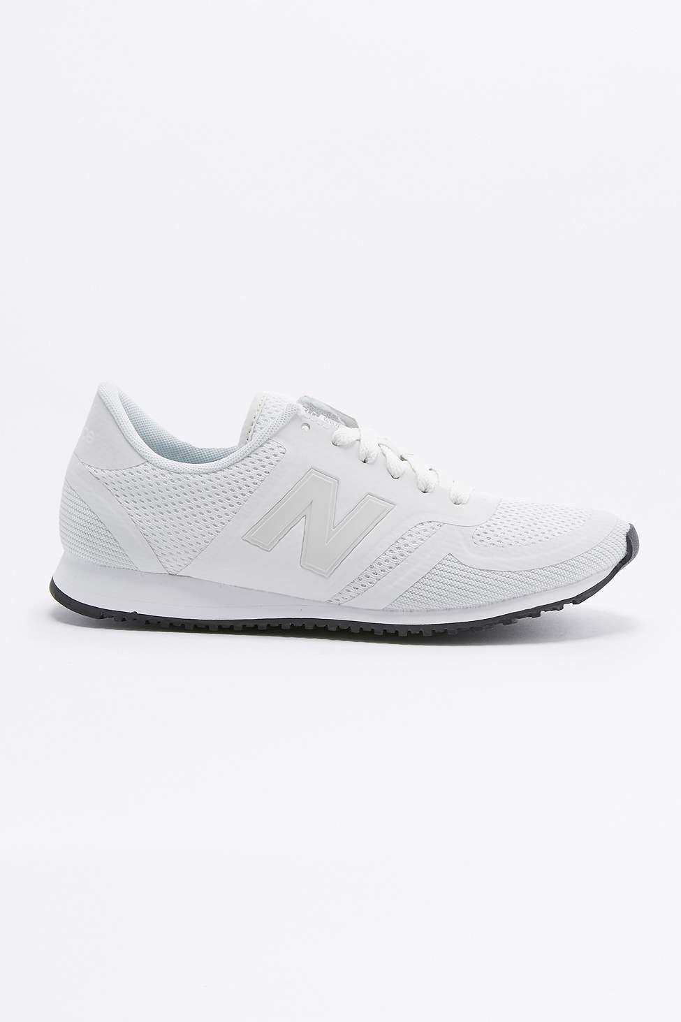 new balance black and white mesh 420 trainers