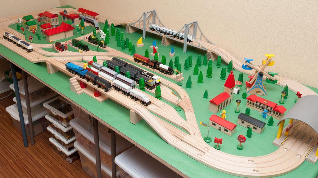 Brio Wooden Railway Guide Train Tables Mah Tah Friends