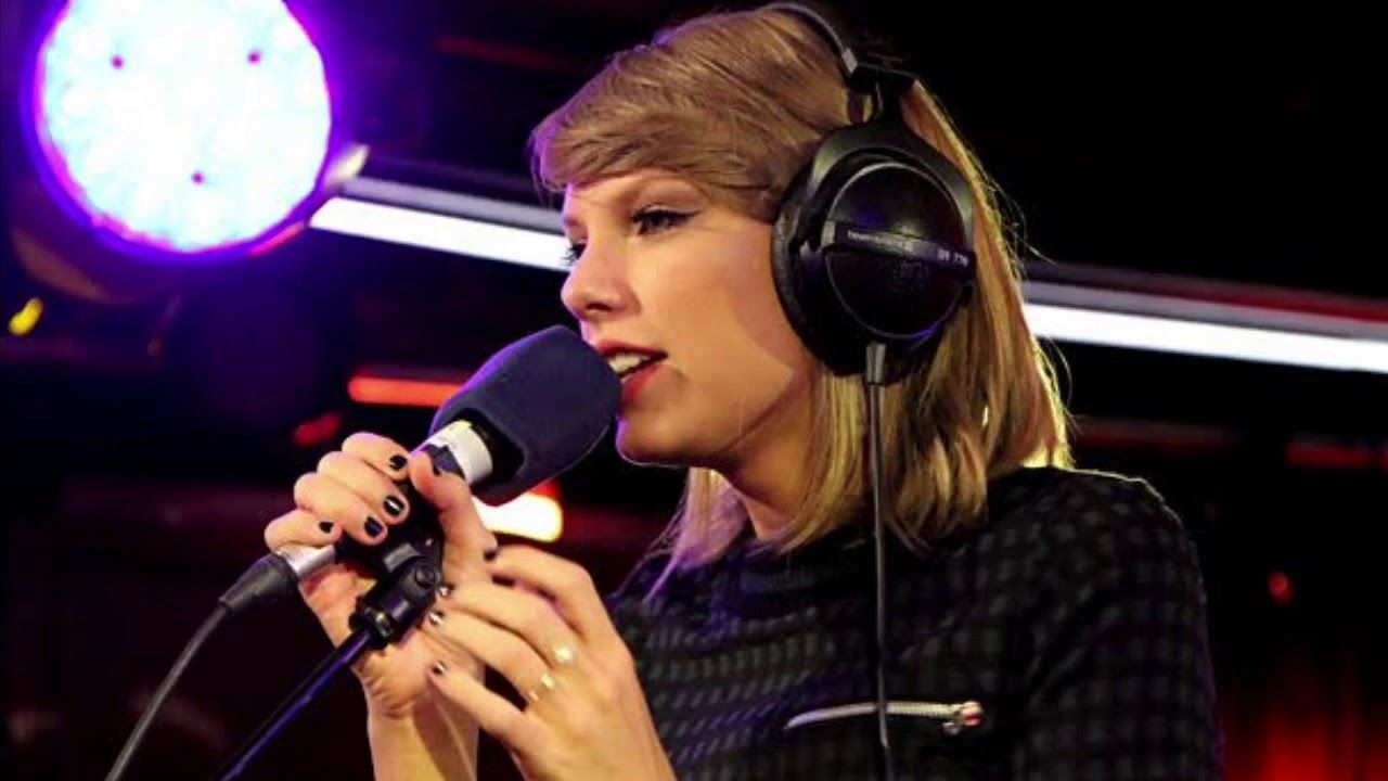 Taylor Swift Holy Ground On Bbc Radio1 Live Lounge Youtube Taylor Swift Fan Club Taylor Swift Taylor Swift Pictures