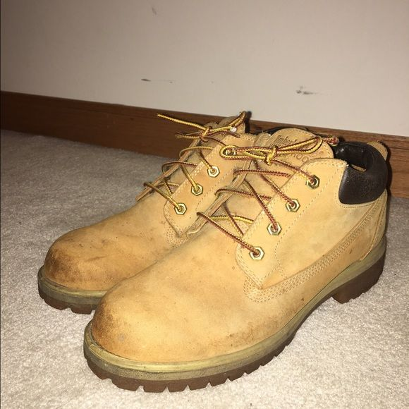 Low cut Timberlands Slightly used Low cut waterproof timberlands. Size 8 1/2 in men's. Still in great condition! Feel free to make offers! Timberland Shoes