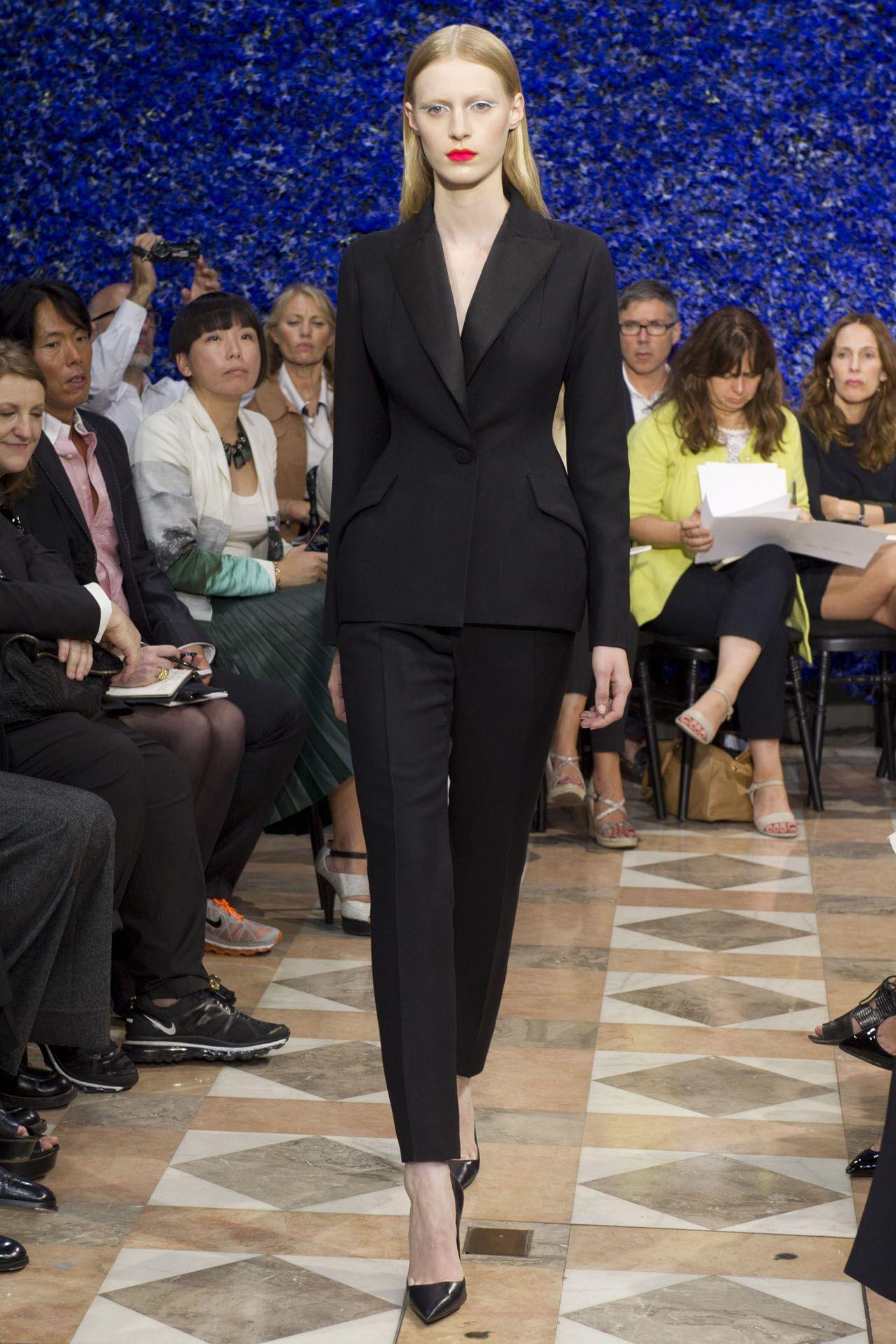Coleção // Christian Dior, Paris, Inverno 2012 HC // Foto 1 // Desfiles // FFW