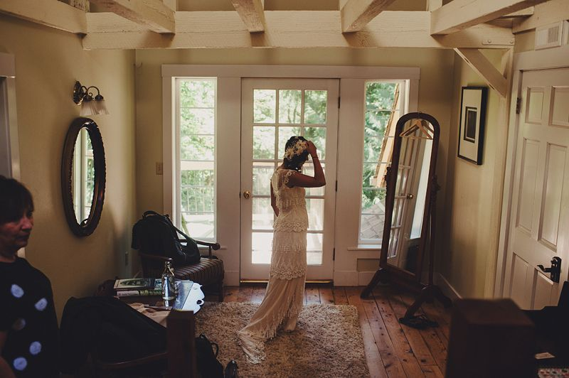 A beautiful bride getting ready in the amazing Cedar Room at TreeHouse Point.  carlybish.com   http://carlybish.com