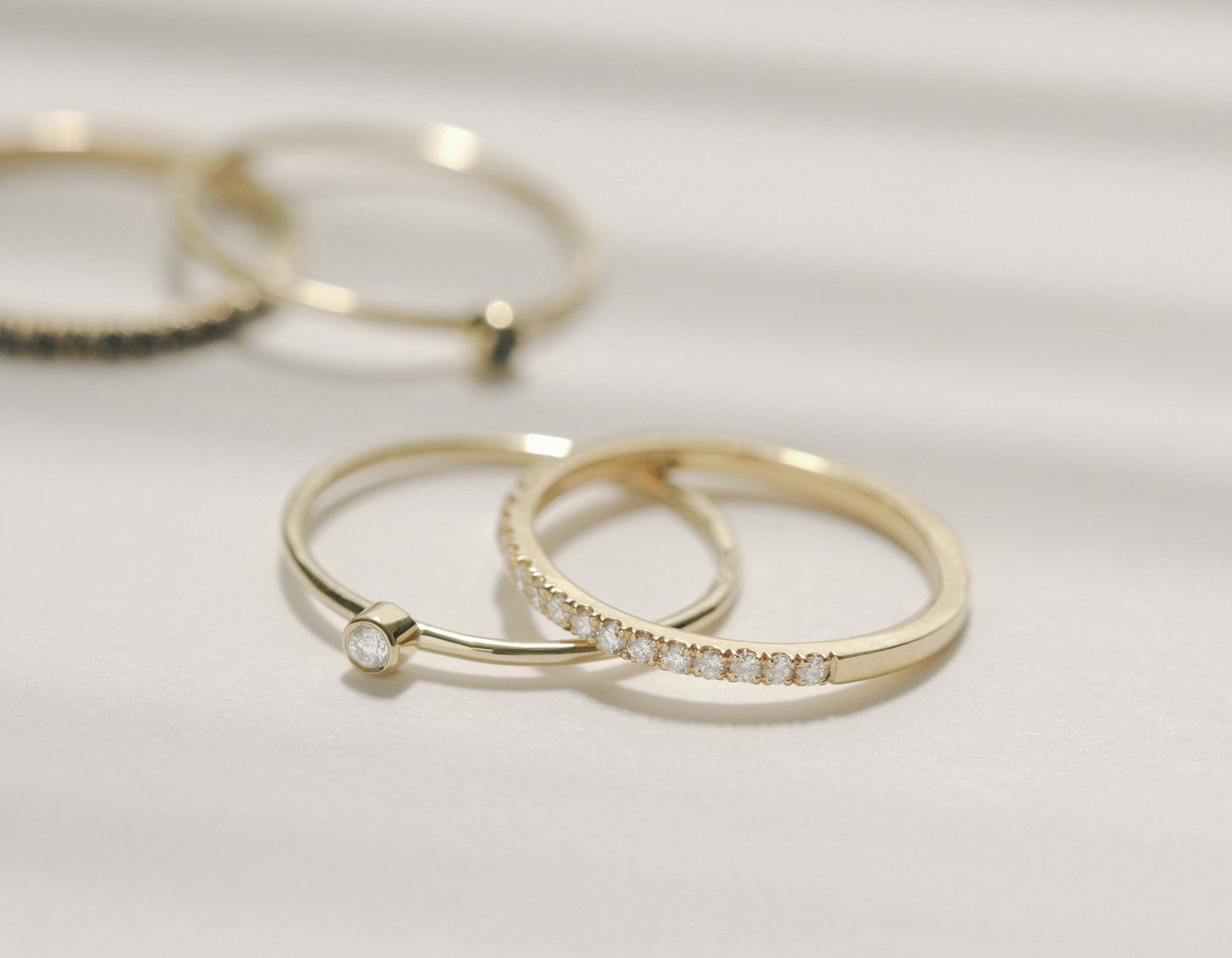 Vrai and Oro Petite Diamond Band